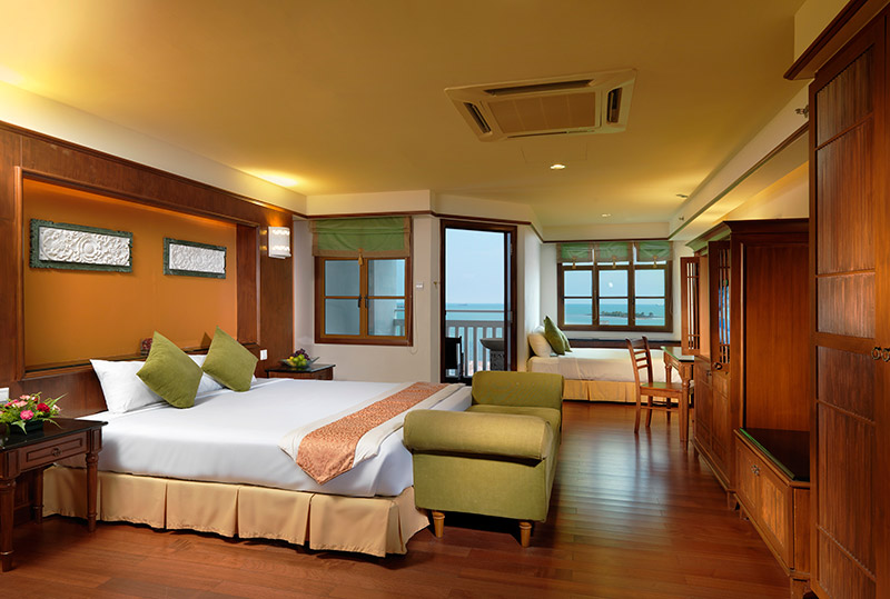 Premium-Tower-Seaview-Room