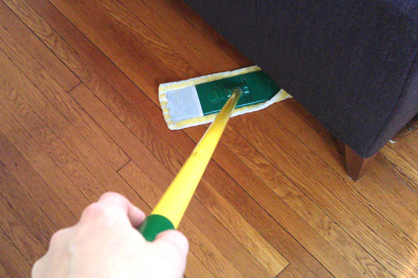 spring-cleaning-tips-dusting_878e505b9070176d926847861be1ac21_3x2