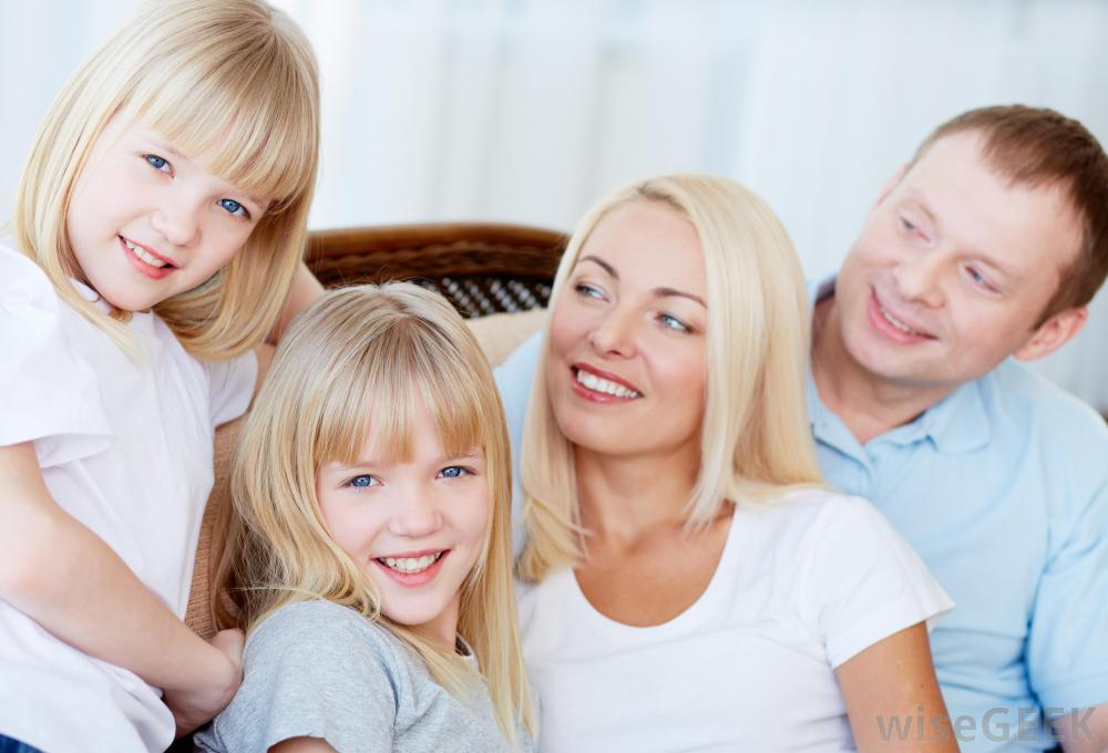 family-with-blonde-girls-and-woman